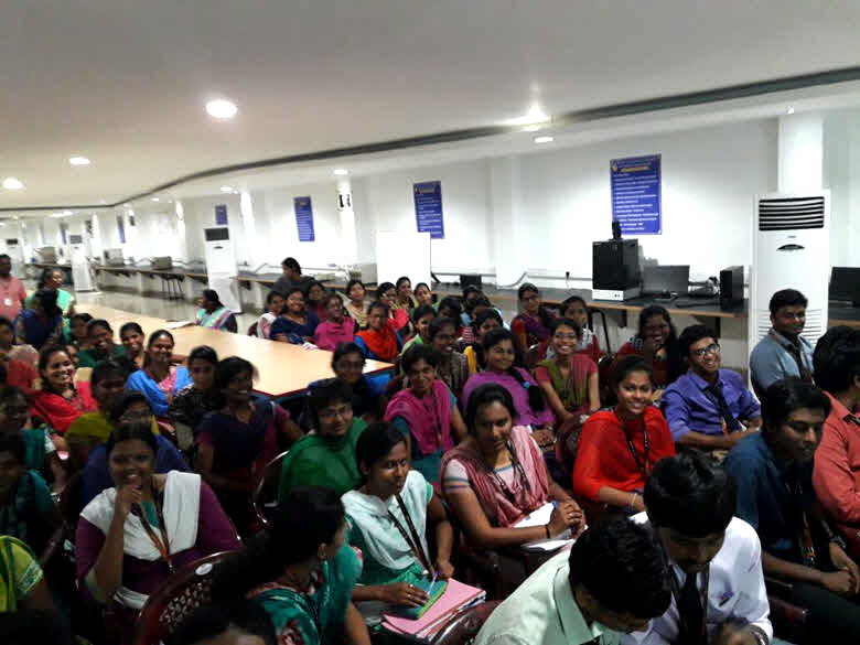 the students at St. Joseph college during the lecture by Spirulina.network managment
